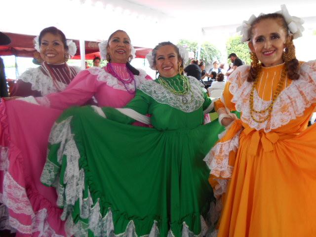 older adult folkloric dancers, Guadalajara